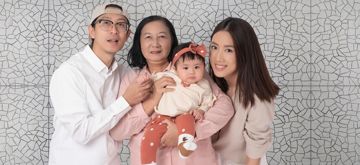 Happy Asian family on white background2